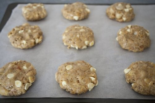 Apricot and Macadamia Cookies-3
