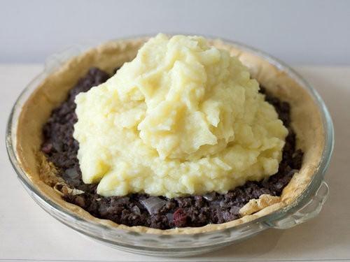Australia Day recipes, Kangaroo Pie, riberry cooking, australian native food-10