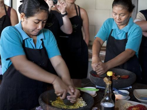 Bali Food tour, bali cooking classes, Anika cooking Class, balinese motar and pest