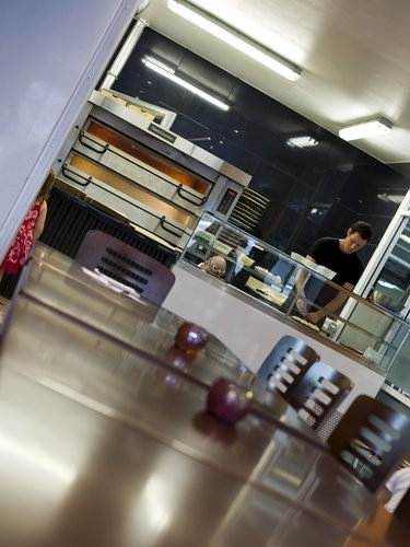 LaKiss pizza shop
