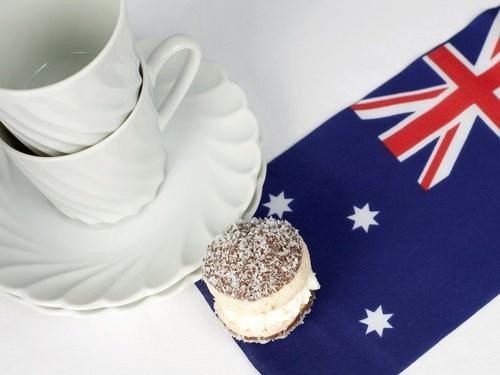 Lamington macaron, macaroon, Australia Day