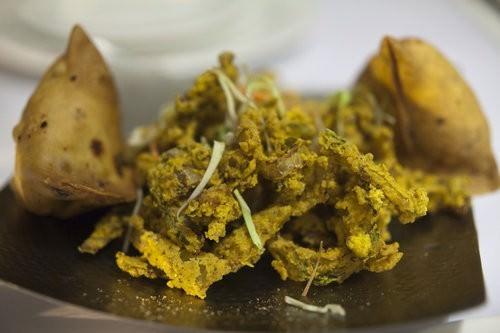 Maya da dhaba Sydney, vegetable samosa, onion bhaji
