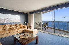 Rydges Port Macquarie Lounge