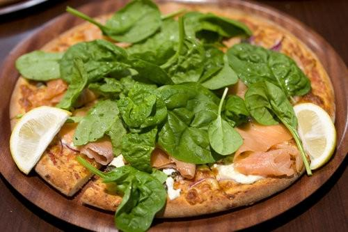 Smoked Salmon and ricotta pizza