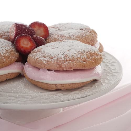 Strawberry Whoopie Pie