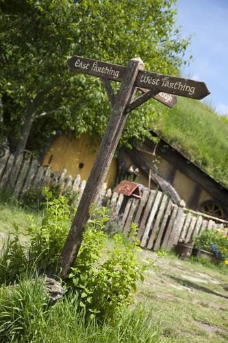 Hobbit Signpost East -West