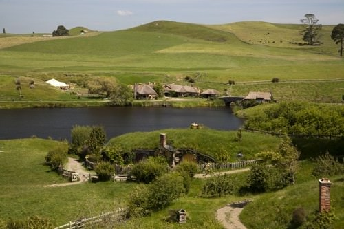 Hobbiton in New Zealand over the lake