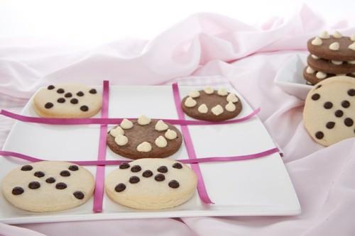Game of cookie Tic Tac Toe w Cookies