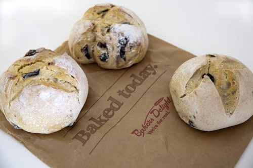 Bakers Delight Pane di Casa Olive