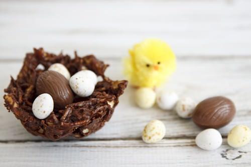 Little Chickies Easter Egg Nest