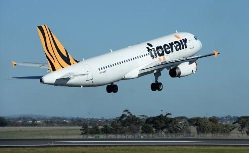Gourmet-getaways-Tigerair-plane