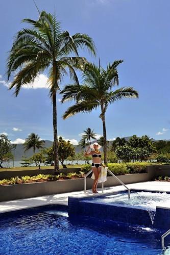 Pool Area Cairns Holiday Inn