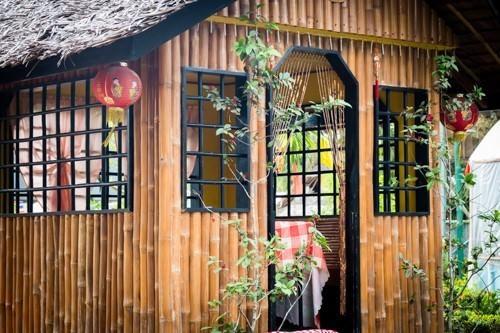 Vietnamese Huts - Stopover
