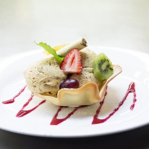 Caramelised Pecan Ice Cream FoodGawker