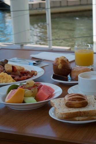 Pacific Bay Resort - Breakfast Buffet