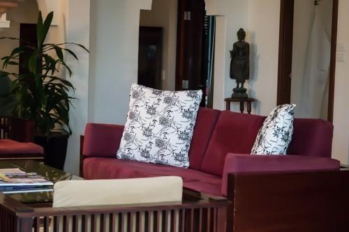 Raes on Wategos - Living Room