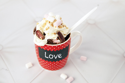 Rocky Road Cake - Love in 2 Mins