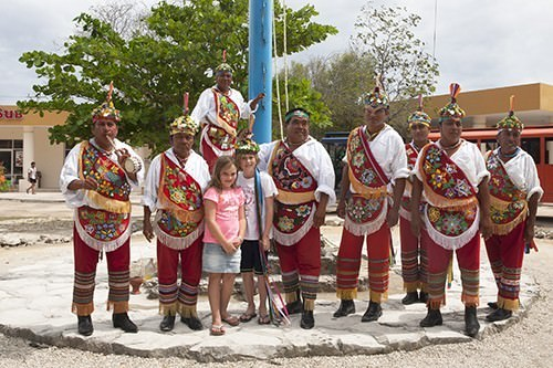 Mexican Pole Performers