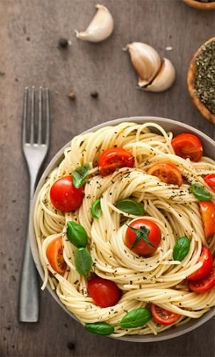 Truffled Pasta w Tomato & Basil