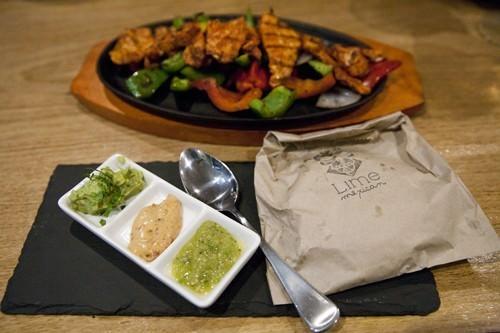 Chicken Fajita Platter & Accompaniments