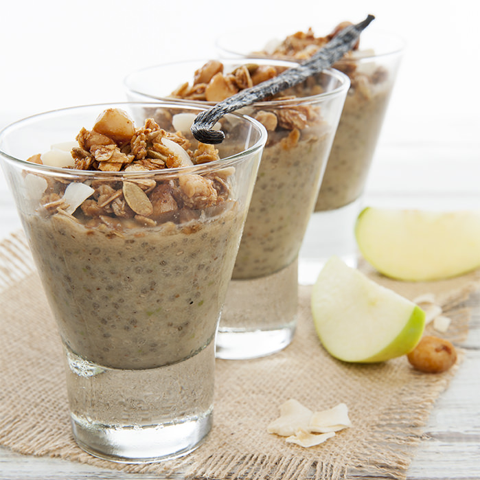 Apple Pie Chia Pudding w Granola