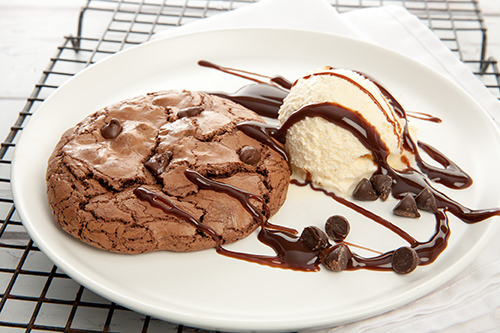 Dark Chocolate Brookie with Ice-cream