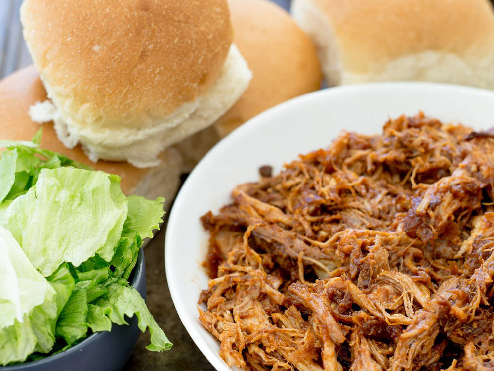 How to make Texan Style Pulled Pork Burgers at home.