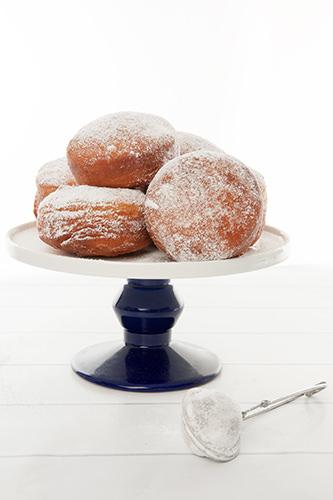 Caramel Stuffed Donuts